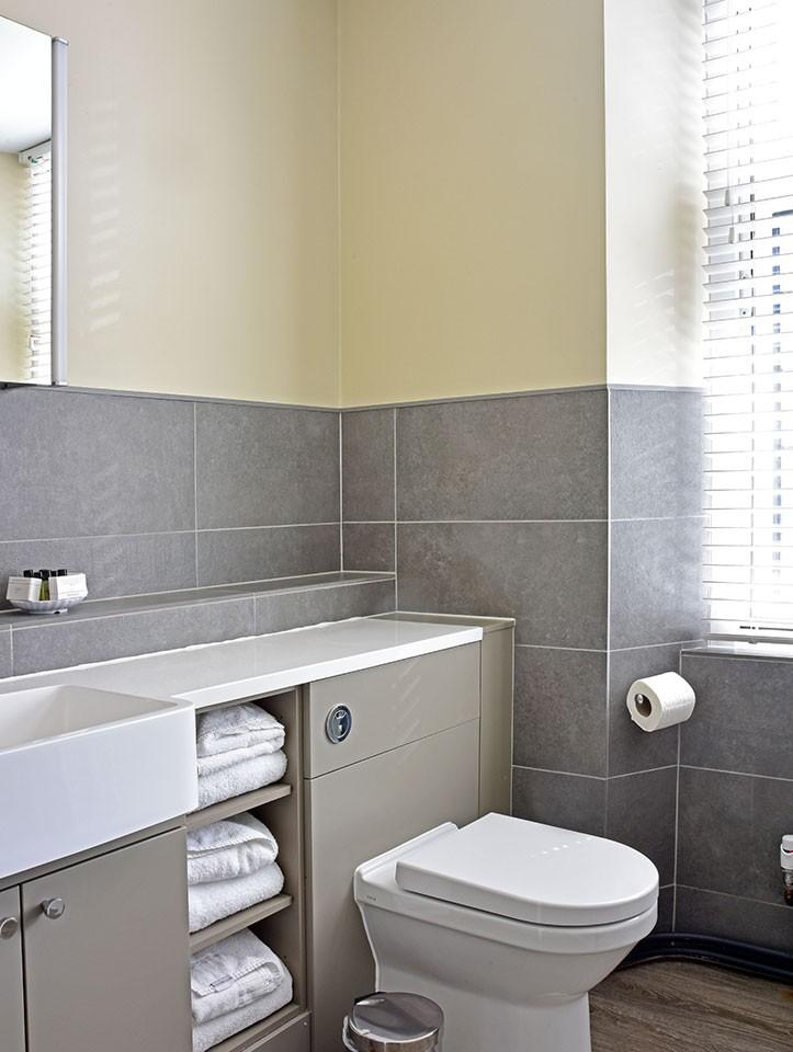 bathroom-2021-3.jpg