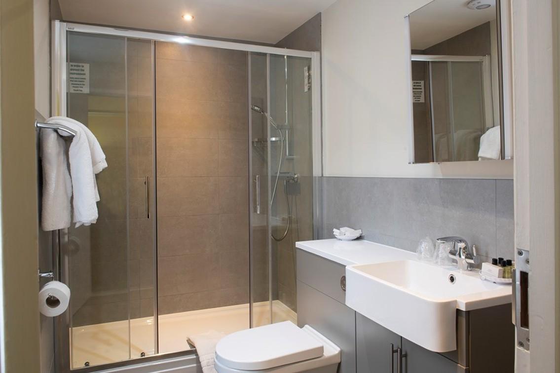 single-3.jpg - Single Room Bathroom